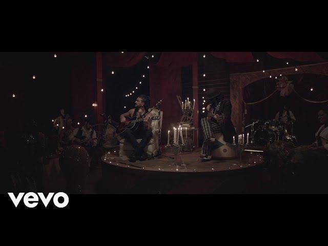 Ricardo Arjona - Ella (A Solas Con el Circo Soledad)