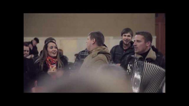 Флешмоб на Киевском. Розпрягайте хлопці коней(полная версия)
