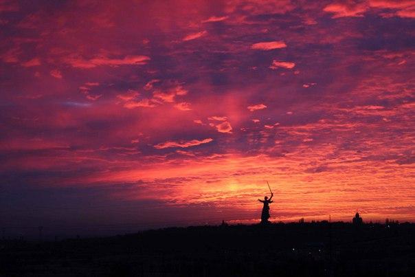 Рассвет в Волгограде.  Фото: Tata Sunny