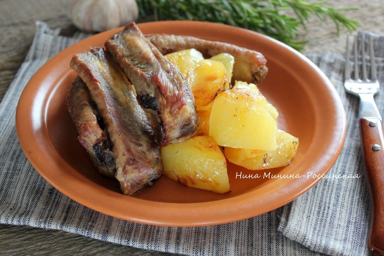 Свиные ребрышки в духовке с картошкой в мультиварке рецепт 174