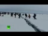 Огромная льдина с людьми откололась во время рыбалки на Сахалине