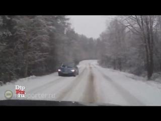 Водитель-виртуоз избежал ДТП на трассе в Карелии