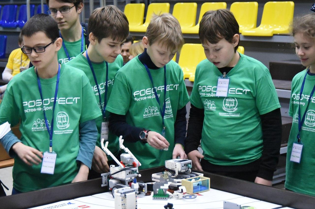 Лучшие робототехники Юга России отправятся на всероссийские соревнования