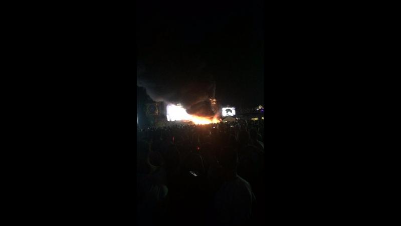 Armin van buuren-the party was to hooot 🔥😃