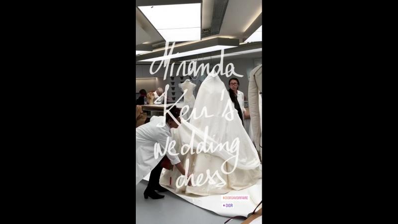 Instagram | Создание свадебного платья Миранды Керр | Dior