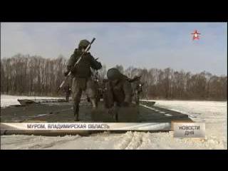 Впервые в России: военные взорвали лед и «стянули» берега замерзшей реки