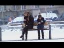 Замерзающий ребенок на остановке Социальный эксперимент Русская озвучка