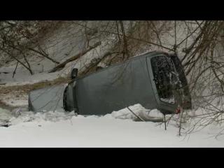 В Пензе Chevrolet Niva слетела с моста и упала в реку