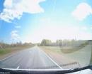 На трассе Оренбург – Казань с проезжающего грузовика вылетела кувалда и пролетела мимо легковушки