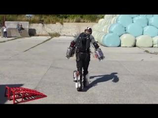 Летающий костюм Железного Человека