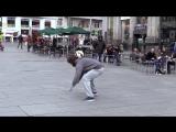Криштиану Роналду устроил пранк в центре Мадрида, а люди его даже не узнали ...( - YouTube (720p)