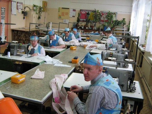 Работа в швейной мастерской