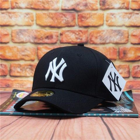 Бейсболка Нью-Йорк (черный цвет)