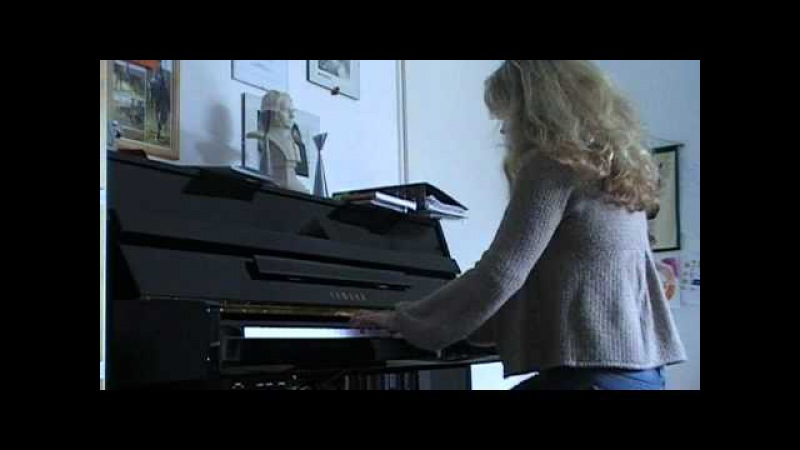 UFO Belladonna piano