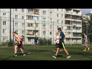 Играем на 45 . Школяры(одетые)  против студентов(раздетые)