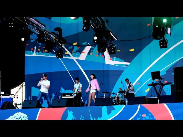 Blur-SongII Выступление на Кубке Конфедераций