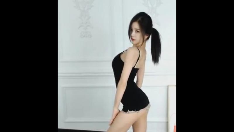 Кореянка Ssonim AWESOME DANCE