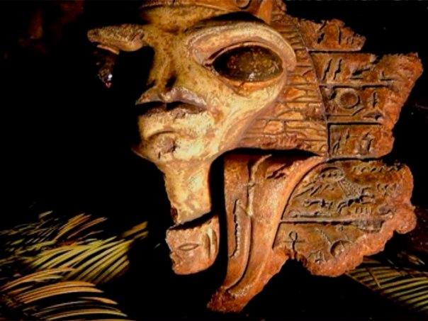 Музей Рокфеллера скрывает сенсационные доказательства древних контактов с инопланетянами
