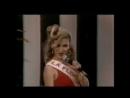 Илюминада исполняет песню на конкурсе красоты в поселке Вдова Бланко