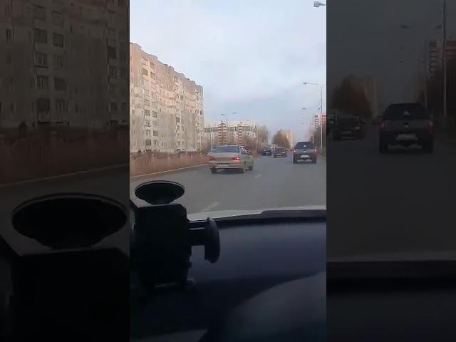 Пр. КОМСОМОЛЬСКИЙ. В сторону Югорской