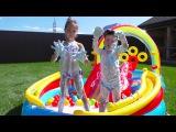 Поли Робокар Купаемся в надувном бассейне и бразгаемся пенкой Баффи / Poli Robocar toys