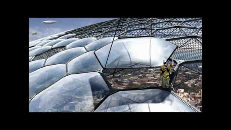 Очевидцы регулярно фиксируют работы технических служб по ремонту купола Плоско...