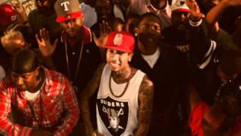 YG - Bitches Aint Shit feat Tyga Nipsey Hussle