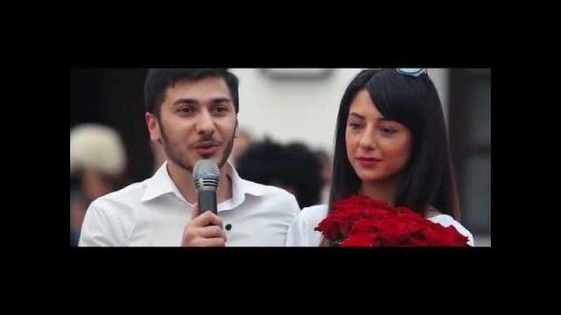Лезгинка, 101 роза и черный конь: азербайджанец Вюсал Караев сделал предложение