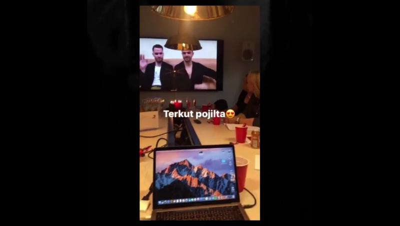 Sony Music Finland в Instagram: «Eilen juhlittiin Hurtsin keskiyöllä julkaistavaa Desire-albumia! 🌹🌹Ootteko Ready To Go? @theohu