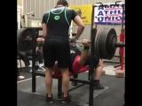 Dennis Cornelius ( США ), жим лёжа без экипировки - 258.5 кг, в.к. до 125 кг !