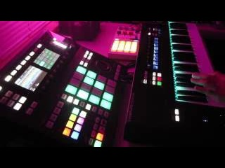 Komplete Kontrol x Maschine Studio Live Looping Chords and Melodies