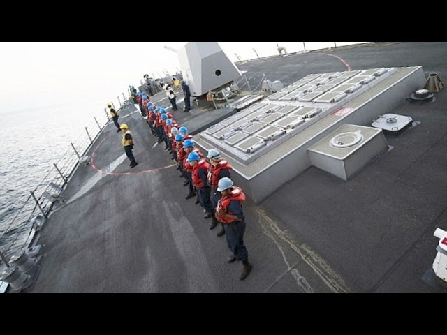 HIGH-SPEED HAIR-PIN TURN! U.S. Navy Arleigh Burke-class destroyers AMAZING MANEUVER!