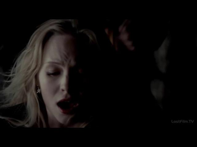 Дневники вампира. Драка Елены и Керолайн 4х16