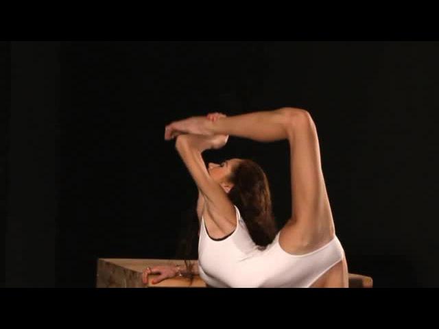 Contortionist stretching ! from her DVD at shop » Freewka.com - Смотреть онлайн в хорощем качестве