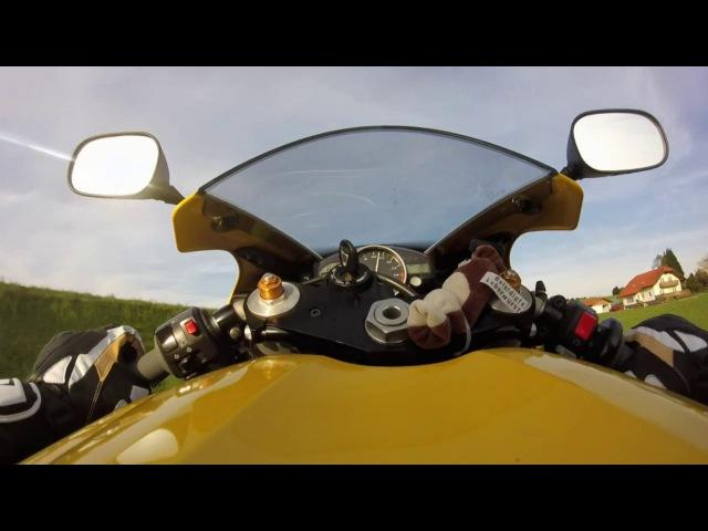 Yamaha R1 Racing Landstrasse Rennstrecke Crash Österreich
