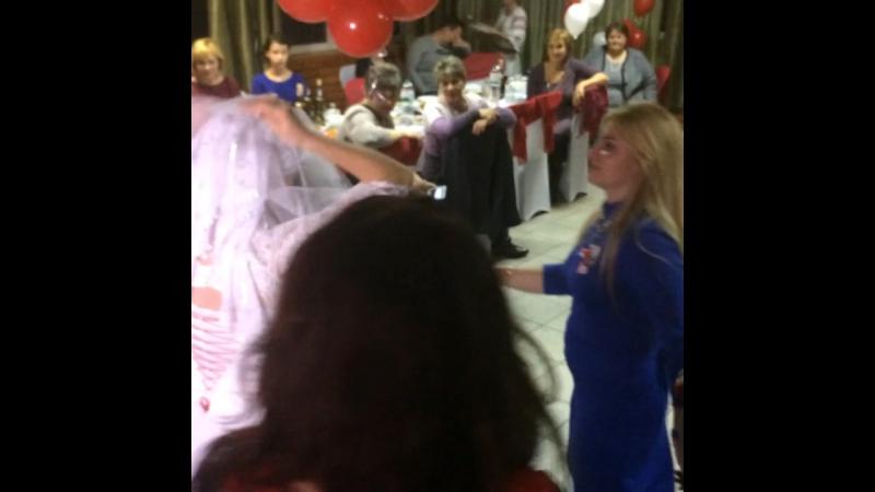 Обряд снятия с невесты фаты