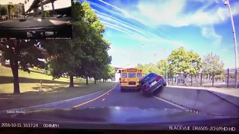 Лихач на BMW сам себя наказал