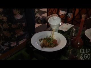 В кафе Алиса в стране чудес