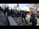 """26.03.17 Массовое задержание на митинге """"Он вам не Димон"""" Владивосток"""