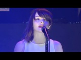 Lauren Mayberry (Chvrches) with DCFC singing Brothers on a hotel bed Live HD - Death Cab for Cutie