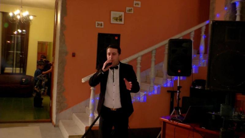 Артур Мой друг (песня И. Крутой и И. Николаев). Веду юбилей. Сказал Тост за друзей и подарил красивую песню.