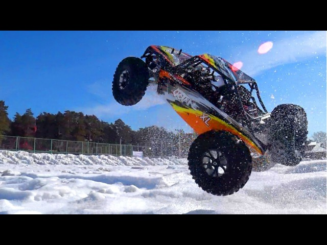RC Car 4x4 Racing, Jumping — VRX Racing RH1045 Or Axial Yeti Rock Racer — RC Extreme Pictures