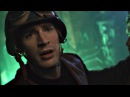 Капитан Америка в одиночку освобождает захваченных солдат на базе Гидры . Первы