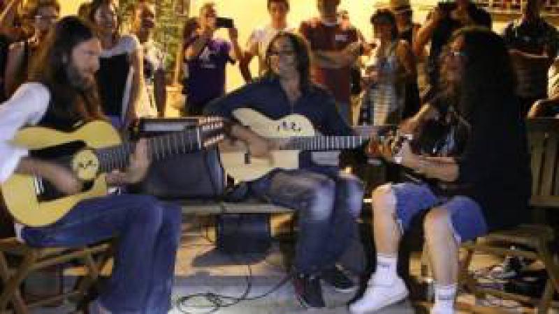 Estas Tonne with Raimundo Amador - Spanish street jam session