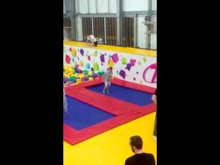 прыгнул в кубики 2