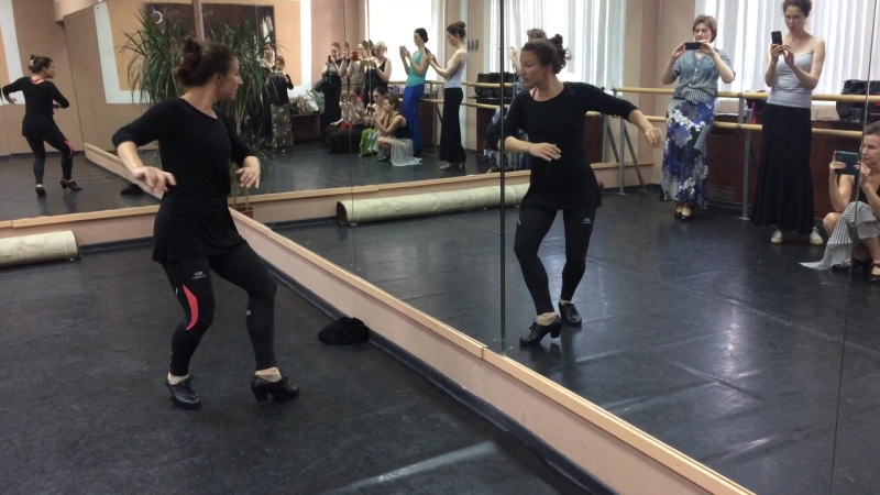 Мелиса Соледад. Школа фламенко FlamencoAndalu, Москва.