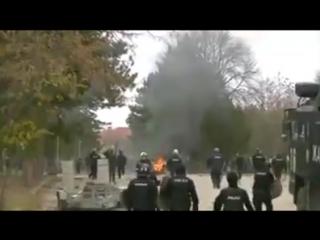 Bulgarien - Asylanten greifen Polizei an