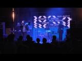 Кавер-группа Зоркий & The Ladies поет любимые хиты на закрытии фестиваля Otkritie x Strelka Film Festival