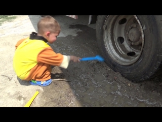 BAD BABY accident Stuck in the mud Ride on POWER WHEEL Tractor Excavator TOWING Щенячий Патруль