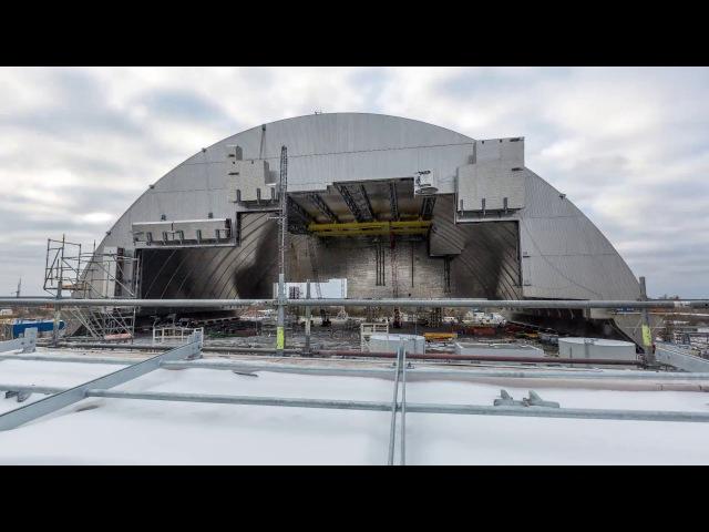 Початок насування Арки НБК на об`єкт Укриття 4 го енергоблоку на Чорнобильській